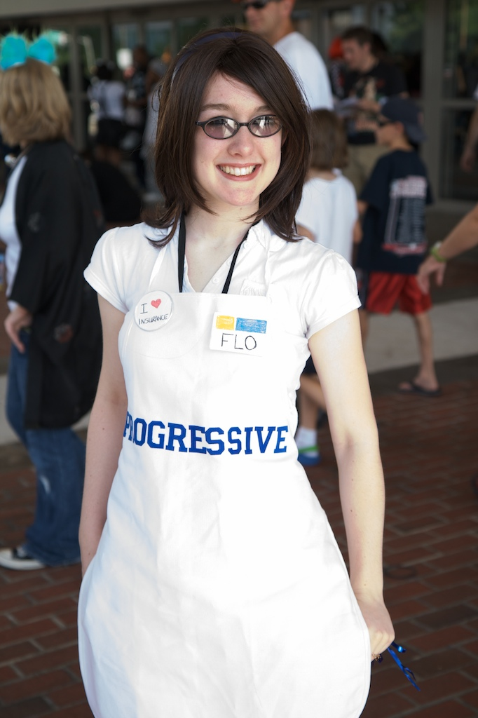 flo-progressive-insurance-costume-by-Rob-Speed